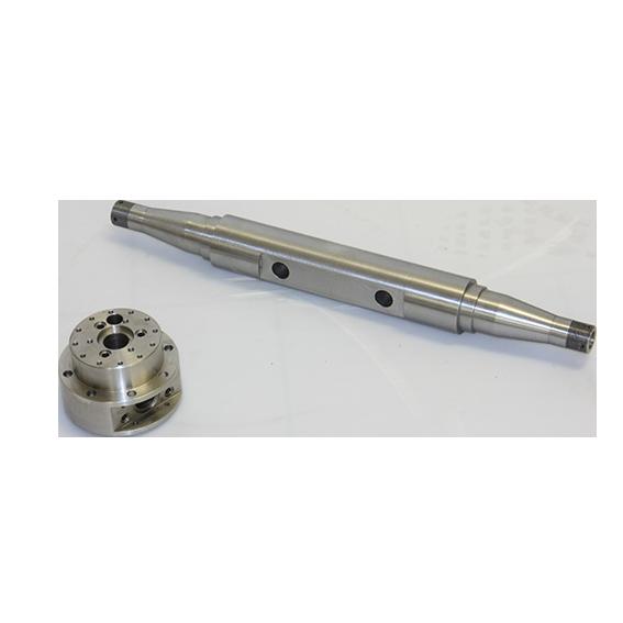 meccanica-di-precisione-albero-flangia-tornitura-foratura-comesa-engineering
