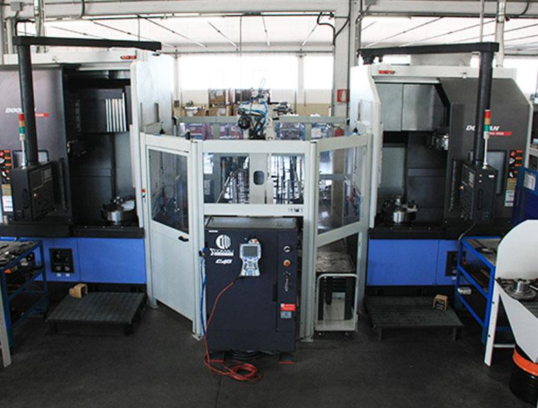 PUMA-550M-tornio-robotizzato-comesa-engineering-meccanica-di-precisione-pesaro-rimini