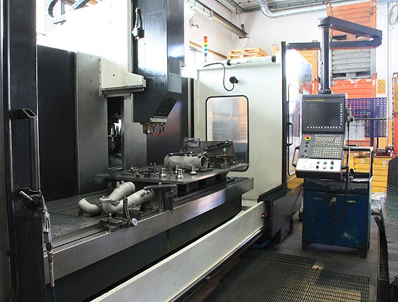 centro-di-lavoro-fagima-verticale-comesa-enginnering-meccanica-di-precisione-fresatura-pesaro-rimini